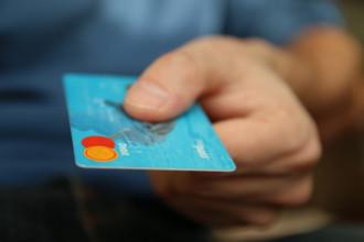 Как получить кредит в банке тинькофф сидя дома